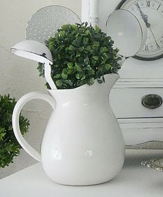 Shabby Chic Inspired white pitcher with metal kitchen utensils and plants or possible flowers Honey Wedding Favors, Painted Sideboard, Photo Wedding Invitations, Vintage Recipes, Vintage Food, Wall Bar, Home Decor Kitchen, Kitchen Ideas, Kitchen Styling