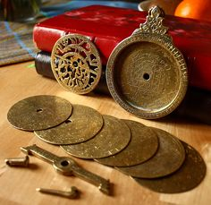 Astrolabe, 18th century, disassembled - Astrolabe - Wikipedia, the free encyclopedia