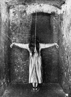 Une patiente suivant un traitement pour une maladie mentale dans l'Allemagne du XIXe siècle.
