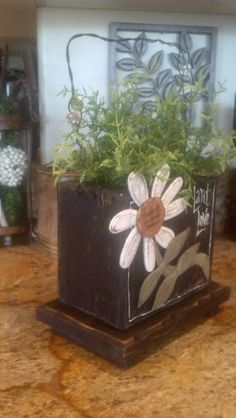 Free Design Wood Craft Patterns Home and Garden Country Feelin Woodworking Guide, Custom Woodworking, Woodworking Projects Plans, Small Wood Projects, Projects To Try, Wood Craft Patterns, Landscape Timbers, Wood Flowers, Tole Painting