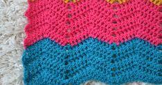 Kiitos kommenteista viimeisimpään postaukseen. :) Tässä tulee ohje virkattuun vauvapeittoon siksak-kuviolla. Kuvio ei ole omakeksimäni, vaa... Crochet, Baby, Ganchillo, Baby Humor, Crocheting, Infant, Knits, Babies, Chrochet