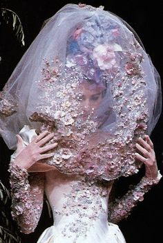 skaodi:  Christian Lacroix Haute Couture Spring/Summer 1996.