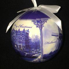 Сувениры из Голландии со смыслом Christmas Bulbs, Holiday Decor, Christmas Light Bulbs