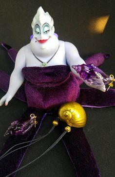 Collana e orecchini Ursula  conchiglie in resina ispirate ai