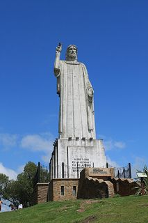 Cristo de San Javier, district of the province of Tucuman Places Around The World, Around The Worlds, Art Nouveau Arquitectura, The Province, What A Wonderful World, Vatican, Country, Wonders Of The World, The Good Place