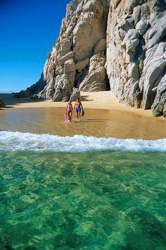 #PlayaDelAmor ubicado en Los Cabos, excelente para una escapada romántica este mes del amor o cuando tú quieras