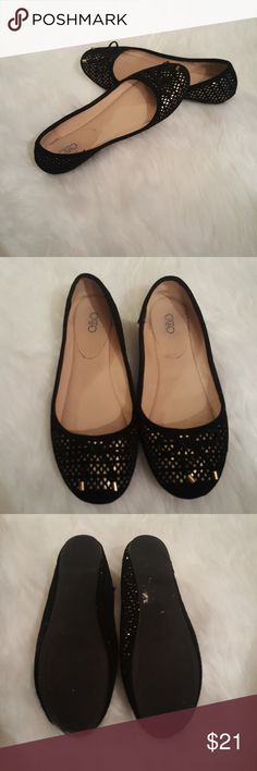 Nice flats Gently worn flats with  a bow tie on the top. They are a size 9 but might fit a slimmer foot or even an 8.5 Cato Shoes Flats & Loafers