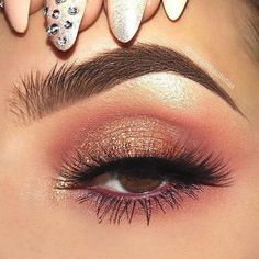 40 OF THE BEST EYESHADOW LOOKS! This is one of the most beautiful everyday eyeshadow looks we have ever seen! Pink eyeshadow looks are so soft and subtle yet, so attractive! If you love affordable makeup then checkout: www. Pink Eyeshadow Look, Gold Eye Makeup, Best Eyeshadow, Makeup Eye Looks, Pink Makeup, Glam Makeup, Eyeshadow Makeup, Makeup Inspo, Makeup Brushes