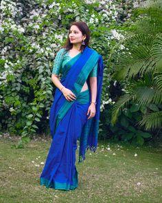 If You Are A Saree Lover, You Need To Check Out This Brand! Cotton Saree Designs, Saree Blouse Designs, Blouse Patterns, Indian Beauty Saree, Indian Sarees, Formal Saree, Casual Saree, Saree Jackets, Simple Sarees