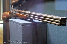 Polish 9-barreled flintlock musket : Damned scary, heavy monster to be trecking through the woods!