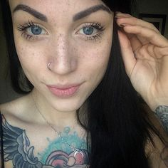 Tattooing Freckles On Your Face Is The New Beauty Craze, And They Look Surprisingly Beautiful