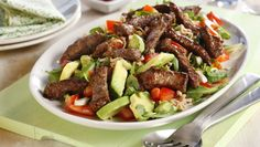 Enkel biffsalat Beef Recipes, Recipies, Healthy Recipes, Healthy Food, Recipe Boards, Cobb Salad, Baked Goods, Nom Nom, Healthy Living