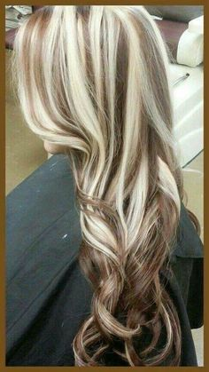 18 Shades of Hair Color Show Chunky Blonde Highlights, Brown Blonde Hair, Hair Color Highlights, Blonde Honey, Caramel Highlights, Bright Blonde, Curly Blonde, Love Hair, Great Hair