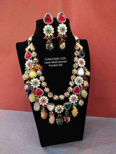 Kundan Jewellery Set, Indian Jewelry Earrings, Kundan Set, Fancy Jewellery, Indian Jewellery Design, Royal Jewelry, Beaded Jewelry, Jewelery, Jewelry Design
