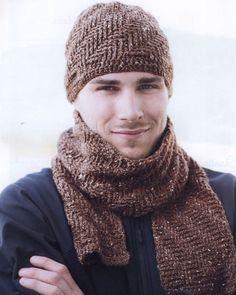 Bu şirin şapka ve atkı ile hayatınızın adamını kışın soğuk havalarına karşın sıcak tutun. Erkek örgü atkı ve bere modelinin yumuşak ve peluş gibi görünen g