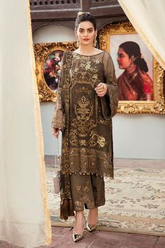 Pakistani Suit Grandeur Ecstasy Ramzan Eid Collection By Imrozia 702 Pakistani Party Wear Dresses, Pakistani Dress Design, Pakistani Suits, Indian Dresses, Indian Outfits, Punjabi Suits, Kurti Pakistani, Indian Designer Suits, Pakistan Fashion