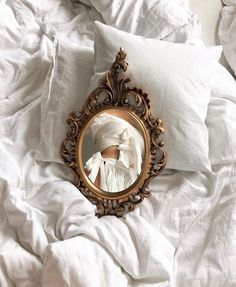 Find images and videos about fashion, style and aesthetic on We Heart It - the app to get lost in what you love. Classy Aesthetic, Beige Aesthetic, Aesthetic Vintage, Aesthetic Photo, Aesthetic Pictures, Aesthetic Style, Foto Glamour, Shotting Photo, Foto Art