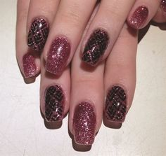 <p>Nail tech Kelly Quear in Ohio recently added Young Nails SlickPour services to her menu and overlays the powder <br />coating with stamp nail art.</p>