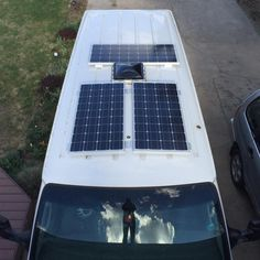 Cheap And Easy Camper Van Conversions For The Best Trips (8) Portable Solar Power, Portable Solar Panels, Solar Energy Panels, Solar Panels For Home, Best Solar Panels, Solar Energy System, Landscape Arquitecture, Solar Roof, Solar Panel Installation