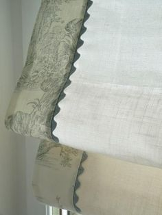 Love the use of toile fabric as banding on this roman shade. Roman Blinds, Curtains With Blinds, Valances, Burlap Curtains, Mini Blinds, Valance Curtains, Rideaux Design, Pelmets, Custom Window Treatments