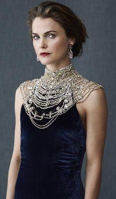 Keri Russell in a Ralph Lauren Collection dress and Verdura earrings