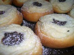 Tvarohové koláče s makovou nádivkou | NejRecept.cz Doughnut, Christmas Cookies, Cheesecake, Muffin, Bread, Baking, Fruit, Breakfast, Recipes