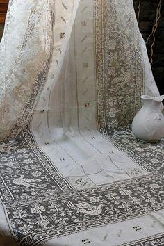 Antique Lace Tablecloth Set Birds Flowers Filet Lace Floral