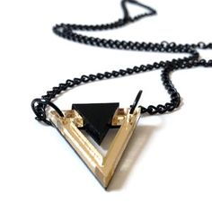 Triangle Necklace Golden Black
