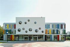 Школа Ниеке в Рурмонде, Голландия