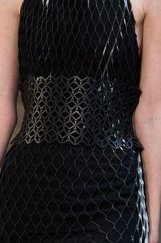 Iris Van Herpen at Paris Fashion Week Spring 2016 - Details Runway Photos