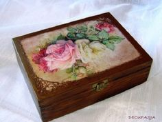 Decoupage - tea box Diy Craft Projects, Diy And Crafts, Altered Cigar Boxes, Decoupage Box, Tea Box, Painted Boxes, Vintage Box, Bottle Crafts, Keepsake Boxes