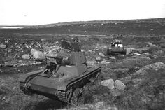 T-26 tanks in the Murmansk direction: according to one, on the island Kil'din, on the other - on the Peninsula Fishermen.