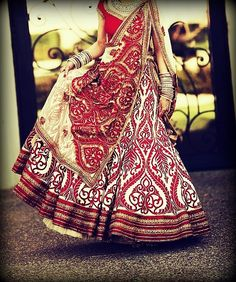 How adding a touch of white makes the red lehenga look supremely elegant. #indian #bridal http://blackbookfortheindianbride.com/10-gorgeous-ideas-for-red-wedding-lehengas/
