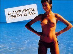 Le premier strip teasing publicitaire avec Myriam qui s'effeuille en 1981 pour l'afficheur Avenir