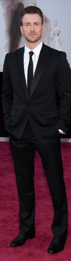 Chris Evans 2013 Oscar Red Carpet