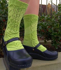 Absinthe sox... just gorgeous, and I know exactly who wants them though she doesn't know it yet