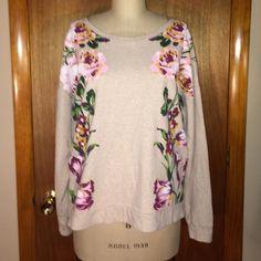 """Flash Sale Isaac Mizrahi Live! Sweatshirt Sz M Isaac Mizrahi Live! Oatmeal floral sweatshirt size medium. In excellent condition. Measurements: chest: 25"""", waist: 22"""", total length: 25"""", arm length: 26"""". Isaac Mizrahi Live! Tops Sweatshirts & Hoodies"""