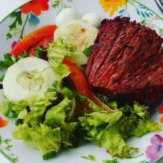 Almoço de aniversário!!!!! No #focototal !!! #orgulho #mamaegata #objetivo #emagrecer #emagrecimento #reeducaçãoalimentar #ra #paleo #paleodiet #lowcarb #foco #força #fe #treinoemcasa #treinofeminino #hardcoreladies #alimentaçãosaudável #vidasaudavel #qualidadedevida #almoço by alemdabalanca1
