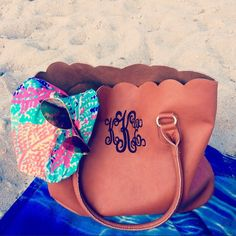 Preppy Beach Style {those are my initials! Monogrammed Purses, Monogram Tote, Monogram Gifts, Preppy Monogram, Preppy Beach Style, Preppy Girl, Preppy Southern, Southern Prep, Southern Belle