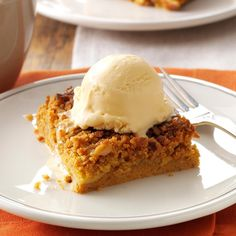 Great Pumpkin Dessert Recipe- Recipes I rely on canned pumpkin and a yellow cake mix to fix this effortless alternative to pumpkin pie. It's a tried-and-true dessert that always elicits compliments and requests for the recipe. Köstliche Desserts, Health Desserts, Dessert Recipes, Plated Desserts, Dinner Recipes, Dessert Simple, Dessert Healthy, Dessert Bars, Think Food