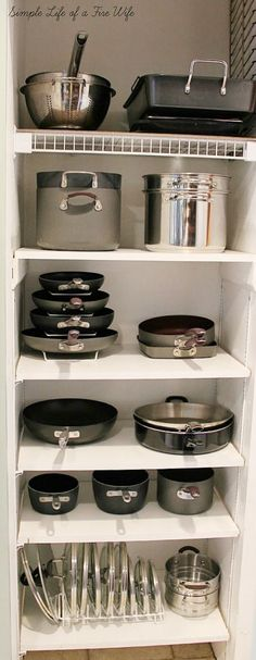 Ideas for Organizing Pots and Pans. >> Find out even more at the image