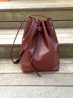 DIY: leather bucket bag