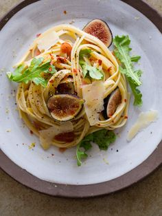 Fresh Fig Arugula Pasta Salad / Spoon Fork Bacon