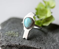 Small Turquoise Ring/ Bird Ring/ Stacking by modesteparisienne