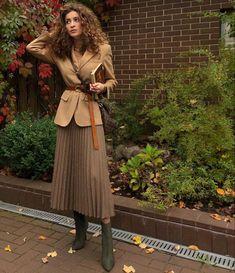 Tamara k on stella maxwell models modern western style in vogue thailand Mode Outfits, Winter Outfits, Fashion Outfits, Fashion Ideas, Ladies Outfits, Fashion Styles, Stylish Outfits, Look Fashion, Winter Fashion