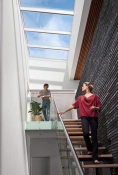 Monteer een VELUX Modulaire lichtstraat in uw woning en baad in daglicht, frisse lucht en een prachtig uitzicht op de hemel boven u.