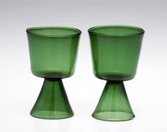 Viinilasi | Designlasi.com | Finnish design Glass Bottles, Wine Glass, Glass Art, Perfume Bottles, Glass Design, Design Art, Vintage Kitchenware, Lassi, Finland