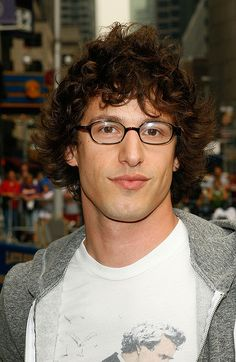 Andy Samberg is the cutest nerd i've ever seen