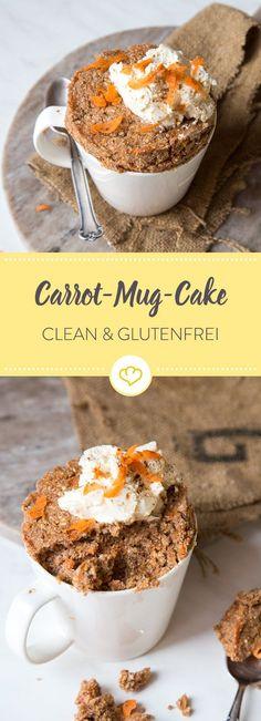 Tu mal lieber die Möhrchen und back Carrot Cake in der Tasse. Mit Mandel- und Kokosmehl, Honig, Möhren und Frischkäse-Topping ist der clean und glutenfrei.