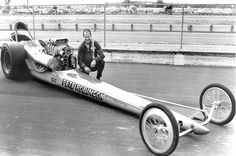 The blue dragster moved to the starting line. Sneaky Pete Robinson was carefully lining up his car. Last chance to qualify for the 1971 NHRA Winternationals. Top Fuel, Drag Cars, Car Humor, Drag Racing, Concept Cars, Muscle Cars, Hot Rods, Classic Cars, Legends